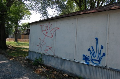 Gang graffiti on Fairmount Avenue - CHPN