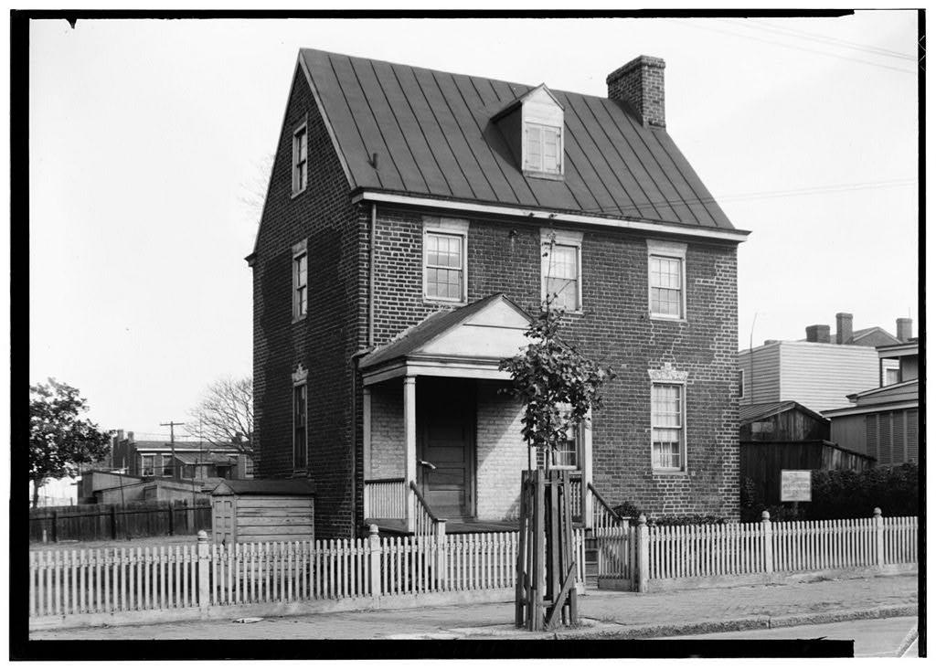 2600 East Marshall Street