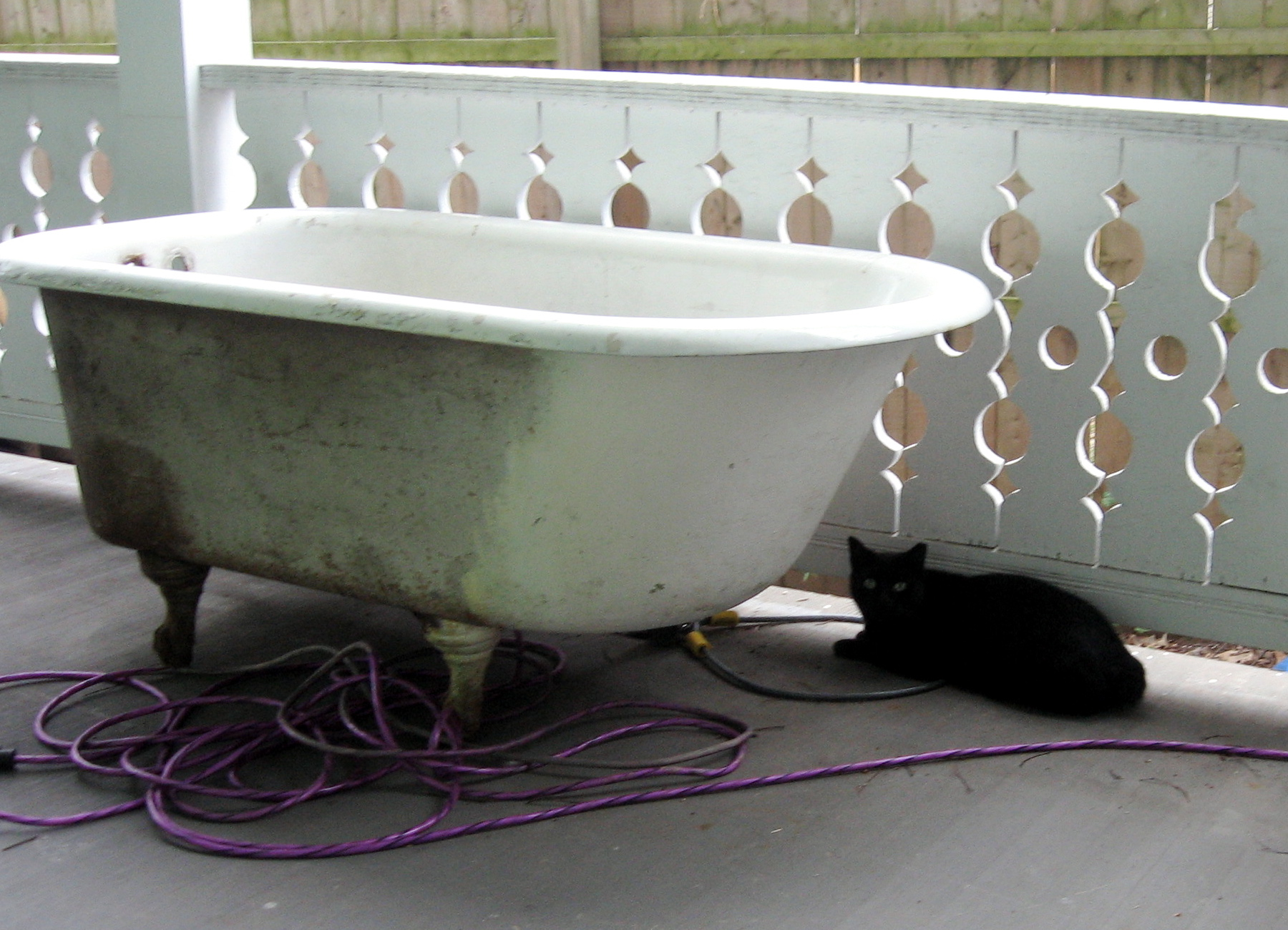 Recommend someone to refurbish an old claw foot bathtub? - Church ...